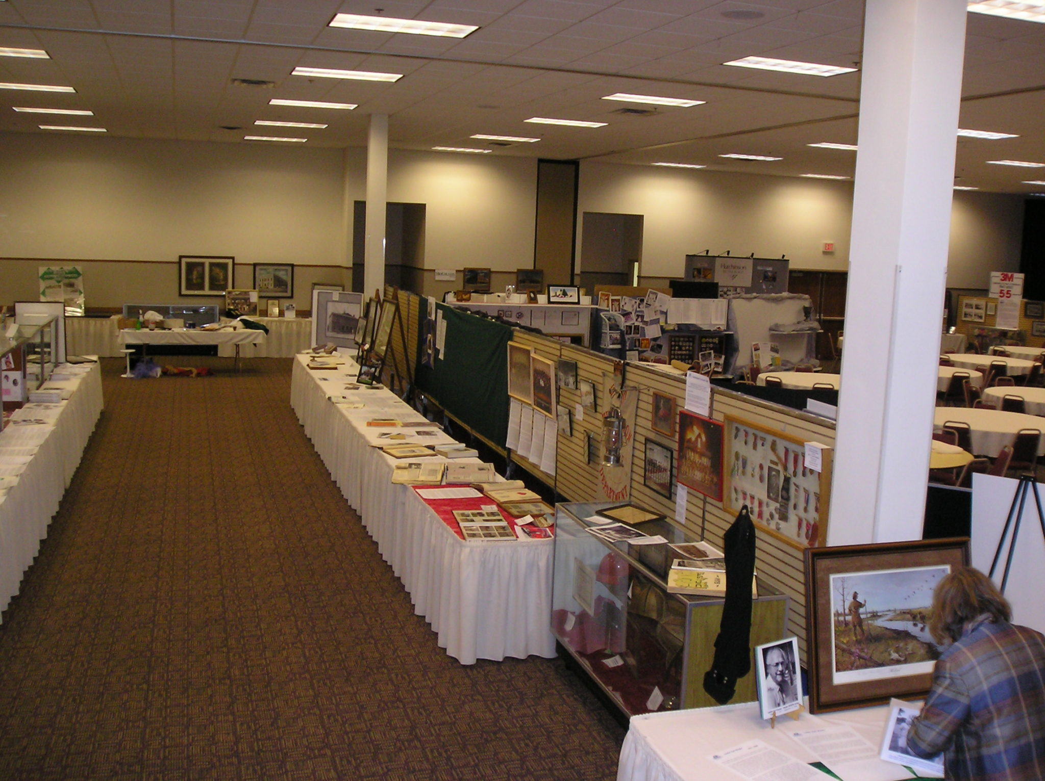 rows of display tables